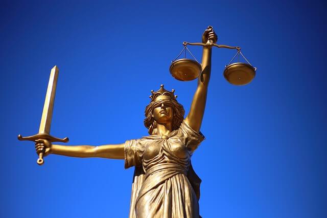 ギリシャ神話 正義の像