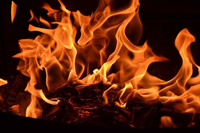 燃えてる画像